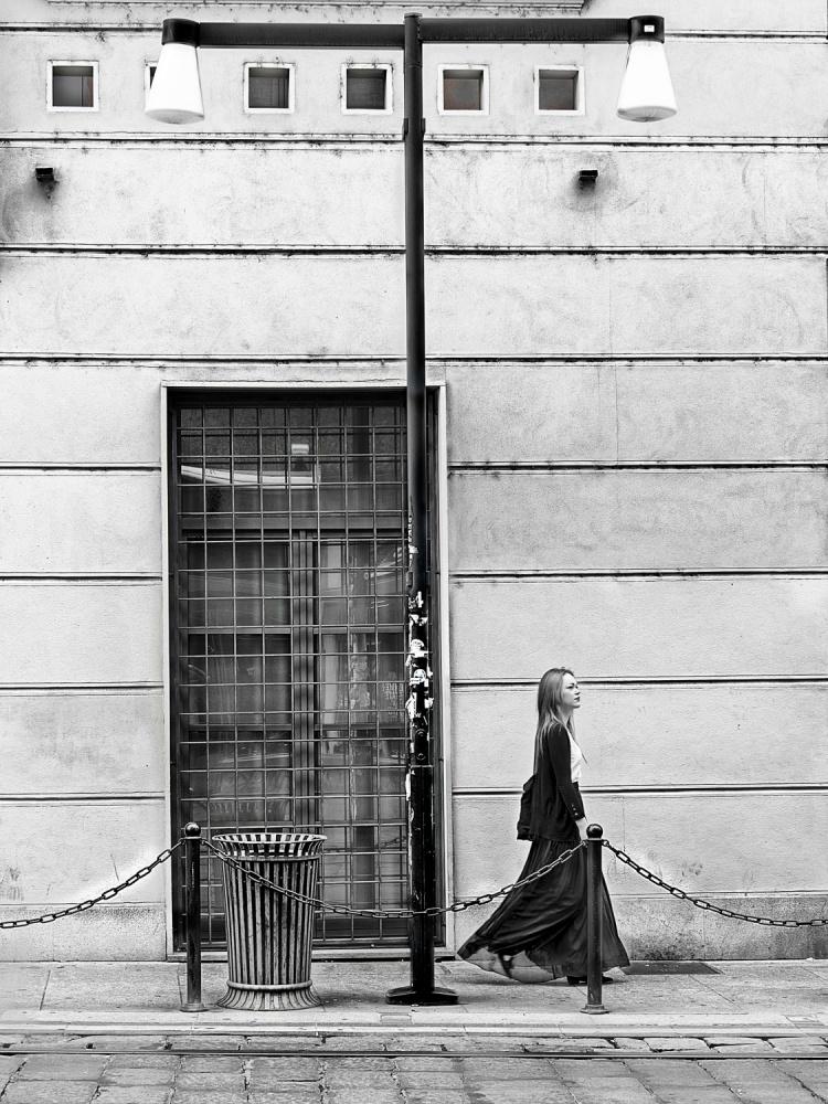 Walking in MIlan