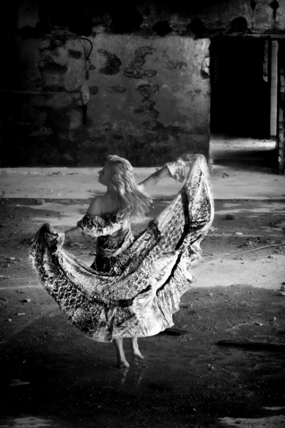 A piece of fine art art photography titled Dance Into the Light by Maurizio Vicedomini