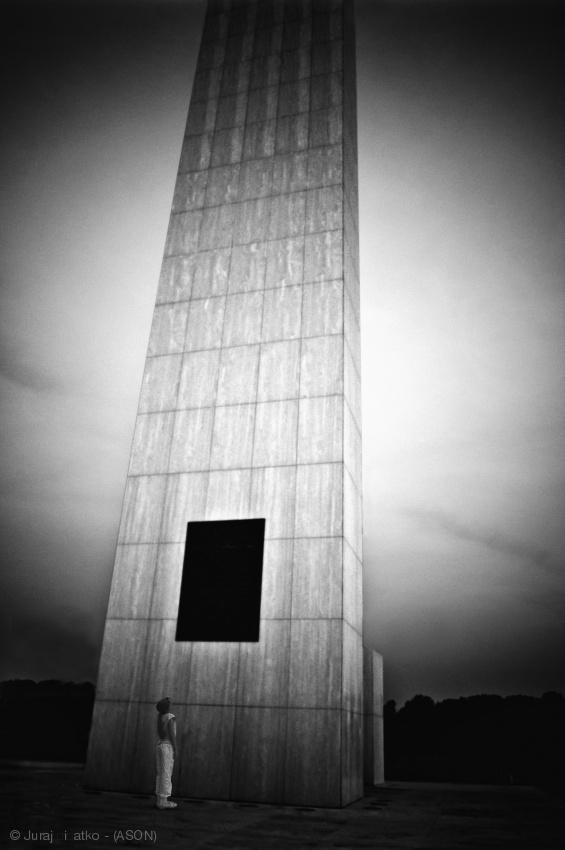 Little girl and obelisk