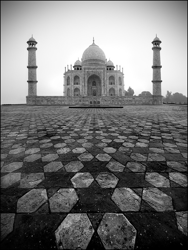 A piece of fine art art photography titled Tajmahal by sensorfleck