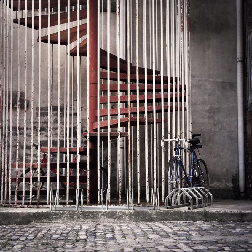 Urban cage