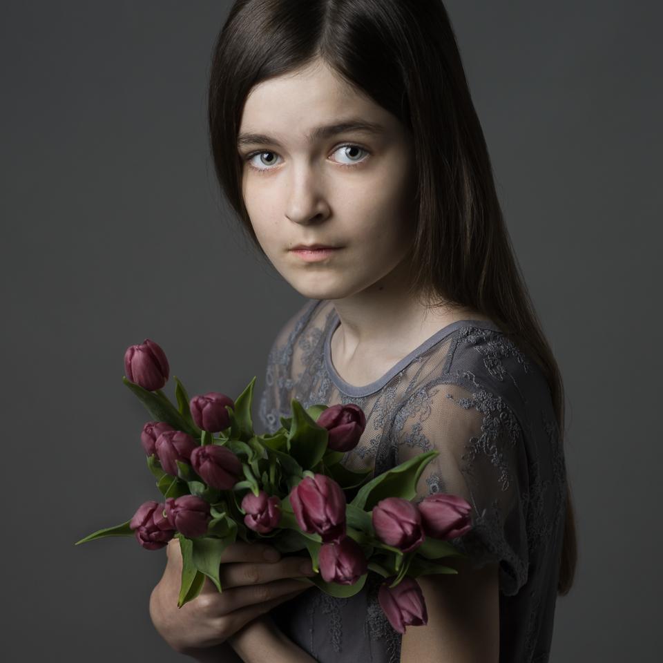 A piece of fine art art photography titled Tulips by Aneta Mrożek