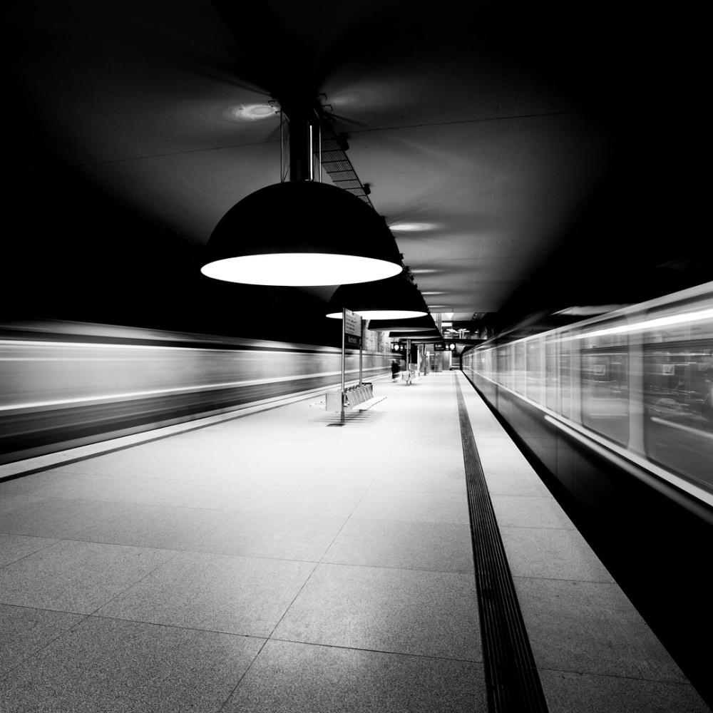 Westfriedhof Station b&w