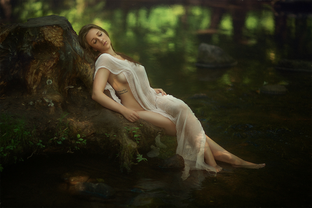 A piece of fine art art photography titled Justyna by Evgeny Loza