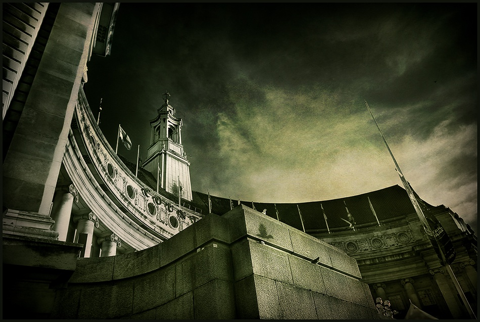 A piece of fine art art photography titled Details of London by Franco Farina