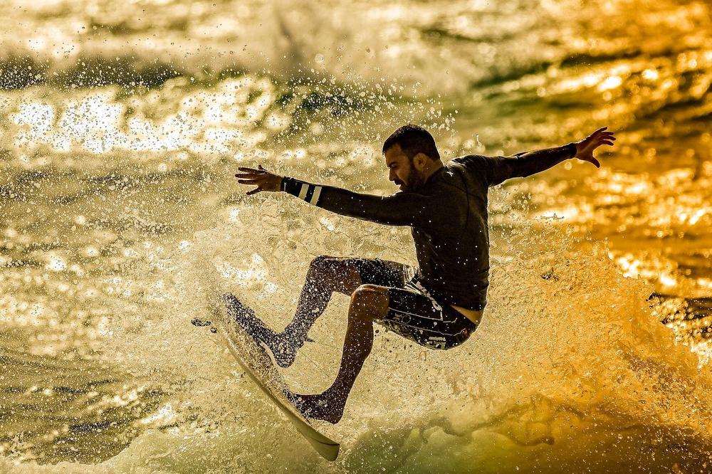 Twilight surfing