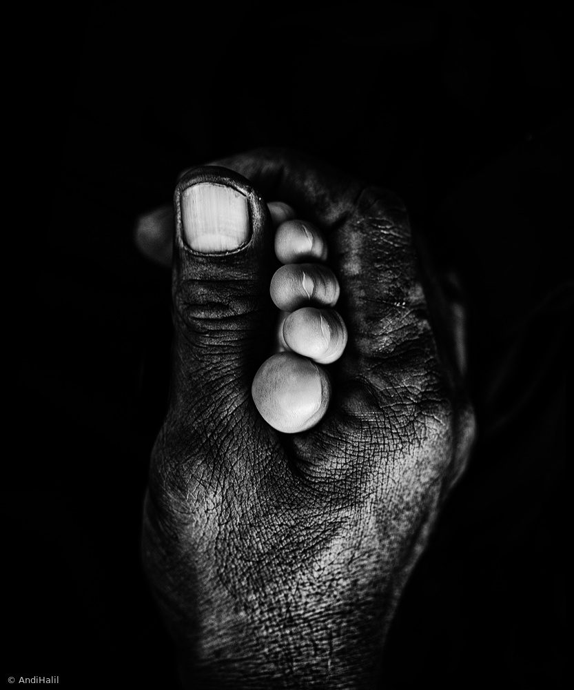 Father Hand and His doughter feet