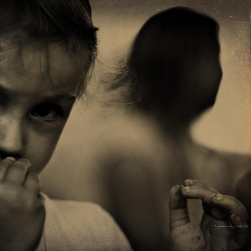 A piece of fine art art photography titled Listen by Sylvie Bendel