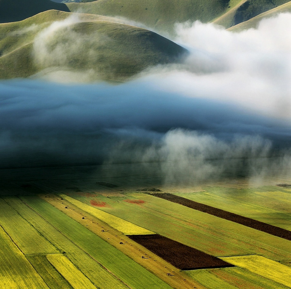 A piece of fine art art photography titled Atmosphere of a Spring Morning by Edmondo