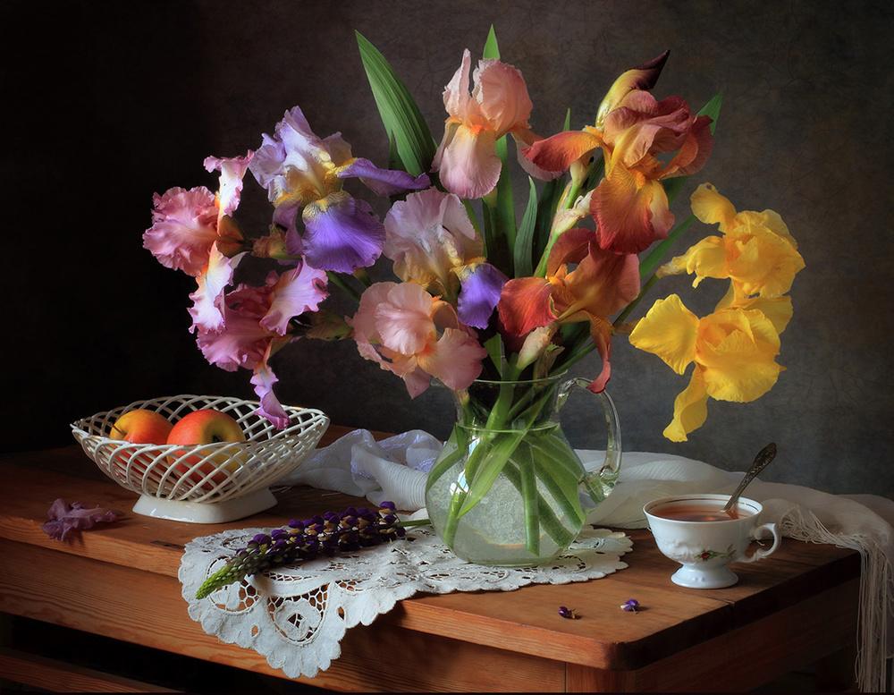 A piece of fine art art photography titled Still Life With Irises and Apples by Tatyana Skorokhod (Татьяна Скороход)