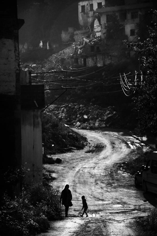 A piece of fine art art photography titled Untitled by Hasan TÜRKER