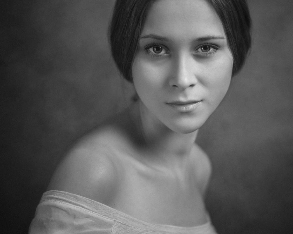 A piece of fine art art photography titled Ewa by Paweł Szamreta