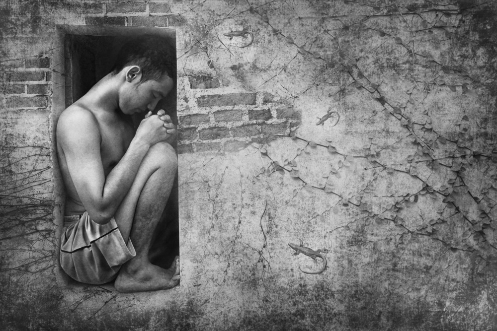 A piece of fine art art photography titled Living In a Box by Ivan Marlianto