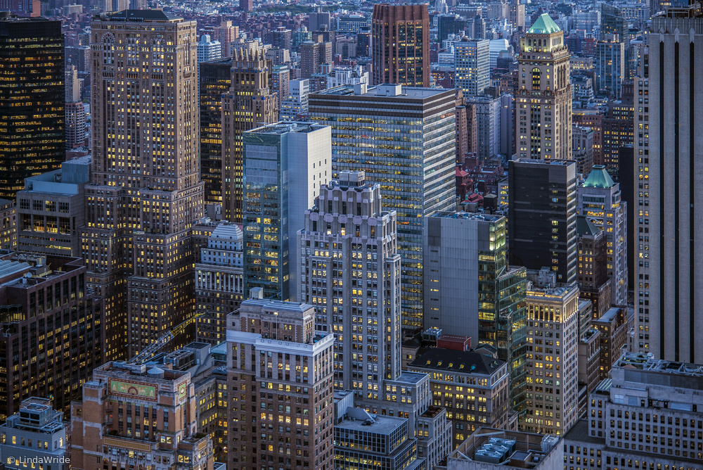 View this piece of fine art photography titled the city that never sleeps by Louis-Philippe Provost