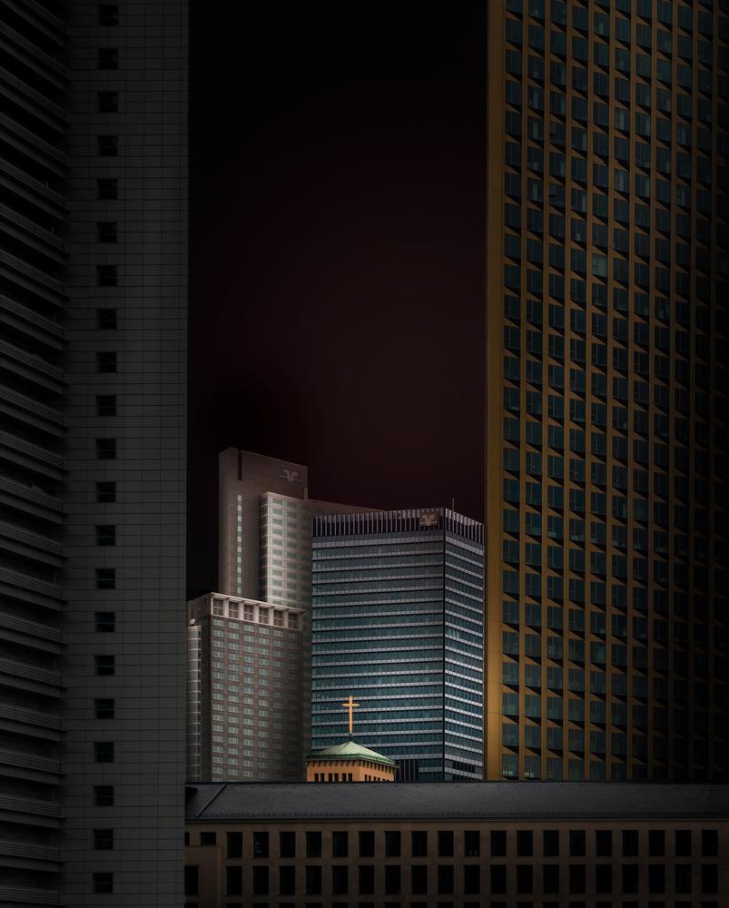 A piece of fine art art photography titled Between Large Neighbors by Ute Scherhag