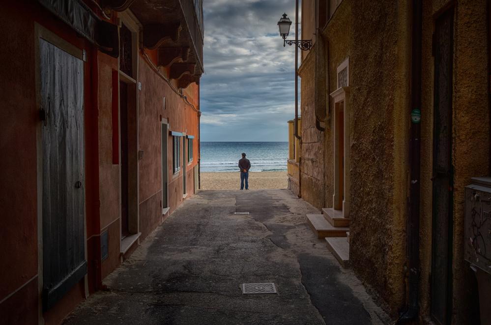 A piece of fine art art photography titled Think by Matteo Musetti