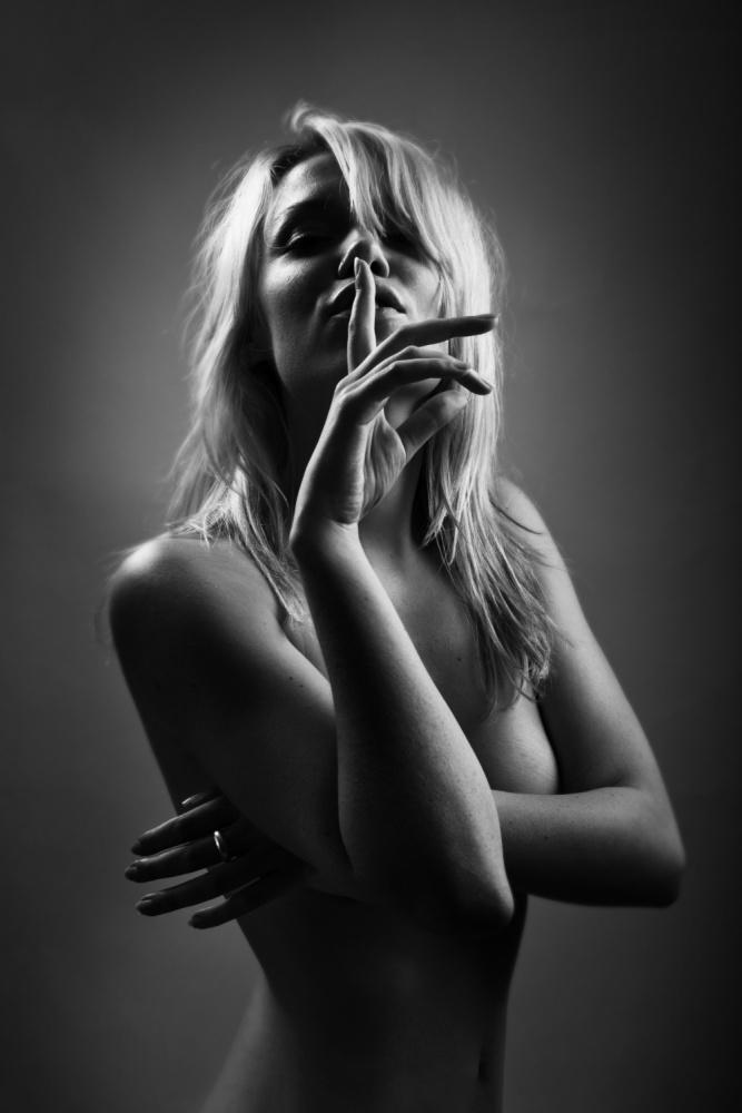 A piece of fine art art photography titled Shoosh by Oren Hayman