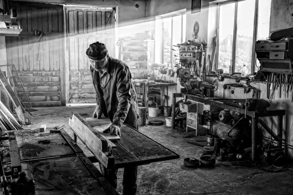 A piece of fine art art photography titled Workshop II by Jose Beut