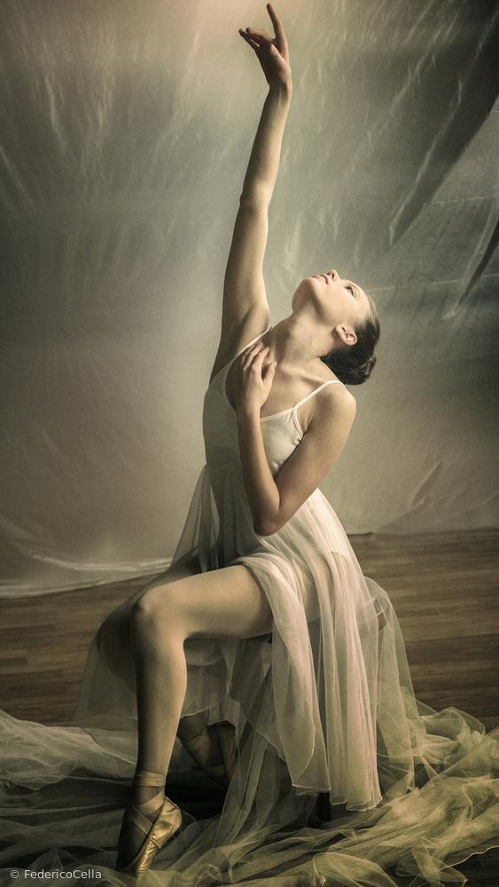 Ballerina prepares to dance