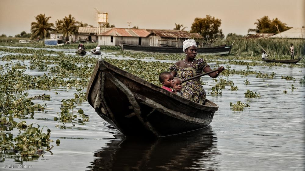 daily life at Ganvié lake