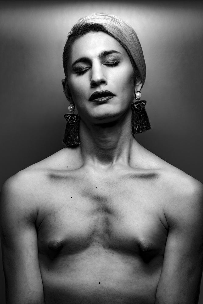 A piece of fine art art photography titled No. Gender by Gautier Van Lieshout