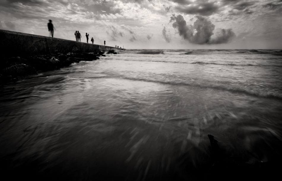 A piece of fine art art photography titled To the Sea by Giorgio Lorcet