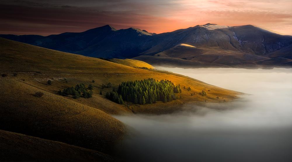 A piece of fine art art photography titled Golden Hills by Fabrizio Massetti