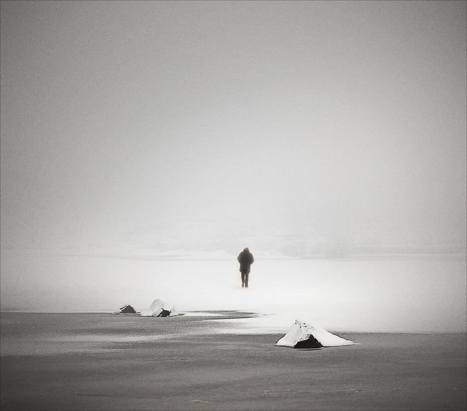 A piece of fine art art photography titled Untitled by Hjálmar G