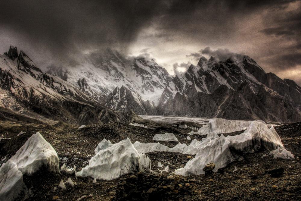 A piece of fine art art photography titled Pakistan Himaraya by Takahisa Hirose