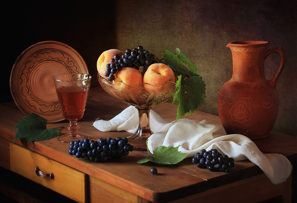 A piece of fine art art photography titled Still Life With Peaches and Grapes by Tatyana Skorokhod (Татьяна Скороход)