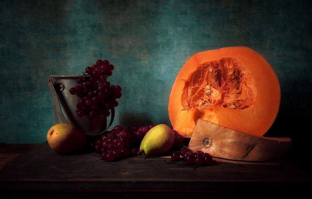 Pumpkin، Grapes and Pear